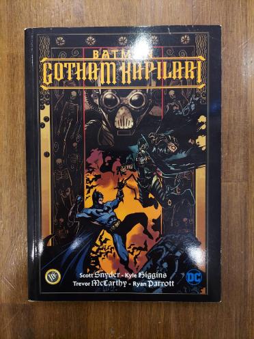 BATMAN: GOTHAM'IN GAZ LAMBALARI / GOTHAM KAPILARI (2 KİTAP SET)